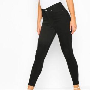 Boohoo Black High Rise Butt Shaper Jeans Size 12